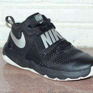 Nike Velcro Boys Black Shoes Size 5.5